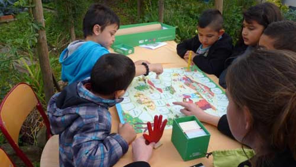 A l'étape 4, on pouvait participer à un grand jeu de plateau autour des fruits et légumes.