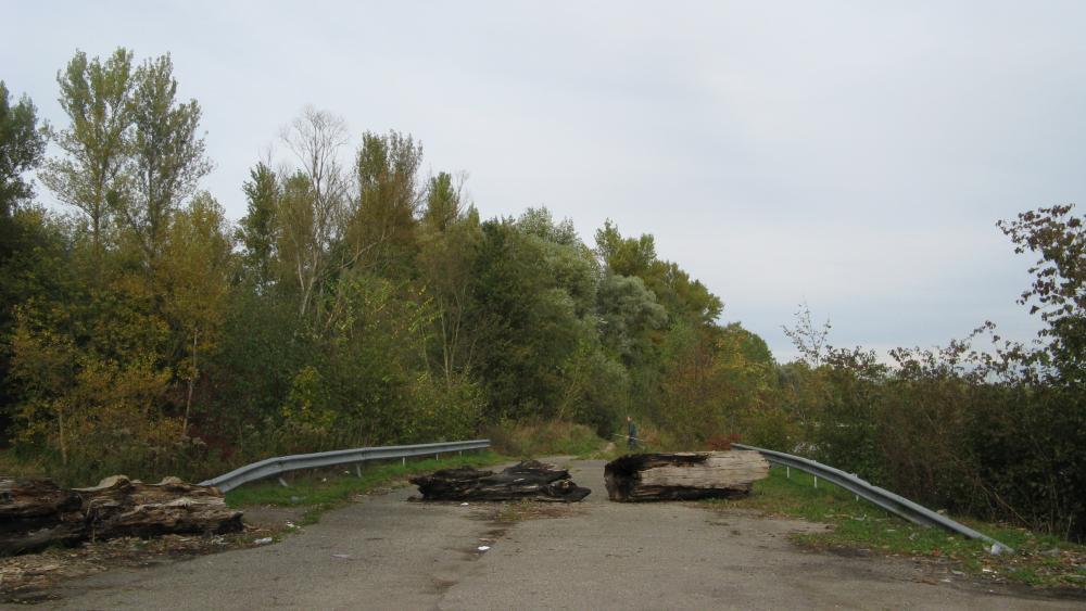 La route est en fait une impasse qui ne permet pas de rejoindre les communes au nord-est de Strasbourg.