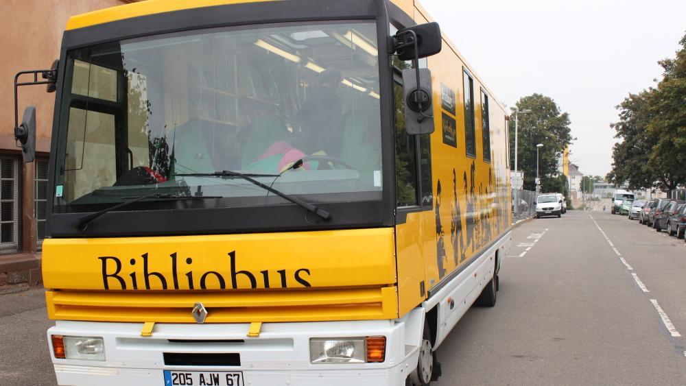 Chaque mercredi, toute l'année, le bibliobus de la CUS s'arrête dans le quartier de Koenigshoffen.