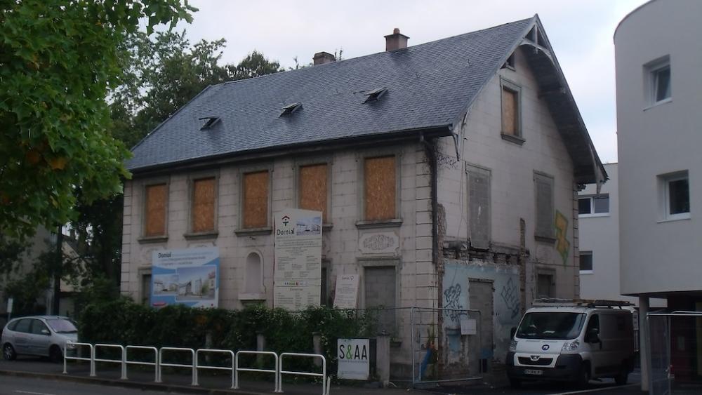 Le bâtiment 7, rue de l'Abbé-Lemire était une maison d'accueil de la petite enfance jusqu'en juin 2008.