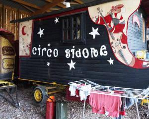 Caravan Circus